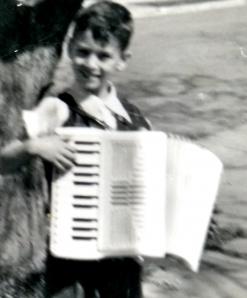 accordian-bobby