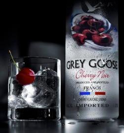 Grey-Goose-Cherry-Noir