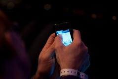 tweeting-hand