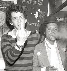 Lou finger