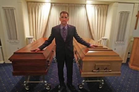130919-coffin.jpg