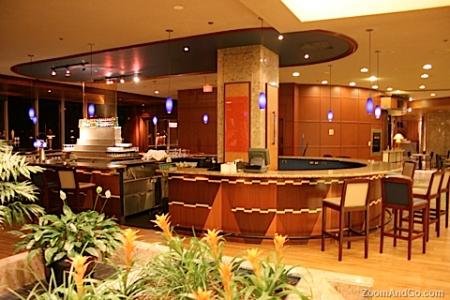 harbour-castle-lobby-bar2