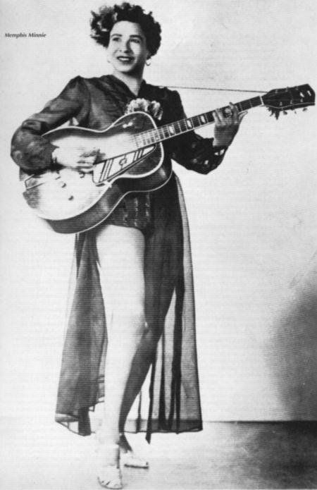 Memphis-Minnie standing