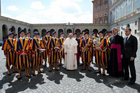 vatican-pope guards