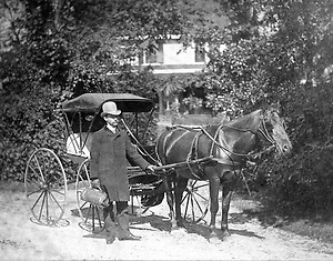Doctor-with-Horse-and-Buggy-1894