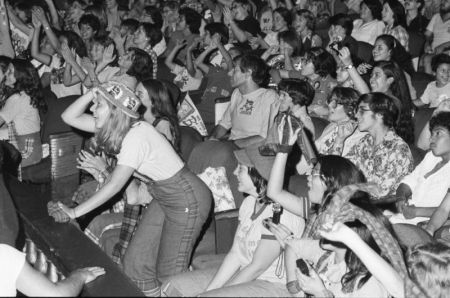 1976-Bay-City-Rollers-concert-at-Chicagos-Uptown-Theater.
