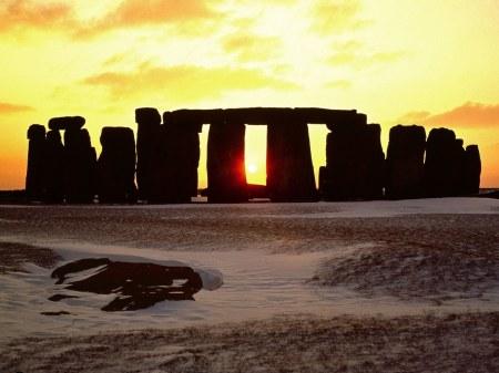 stonehenge-england-winter-solstice