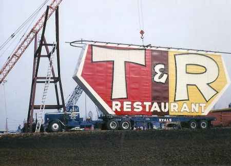 T and R Sign