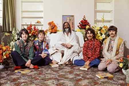 67_beatles_maharishi-mahesh_yogi_002