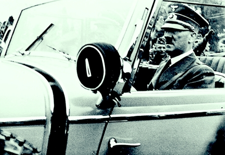 hitler-driving-a-car